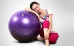 瑜伽球减肥 牢记五个动作